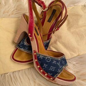 Vintage Louis Vuitton wooden heels size 8.5